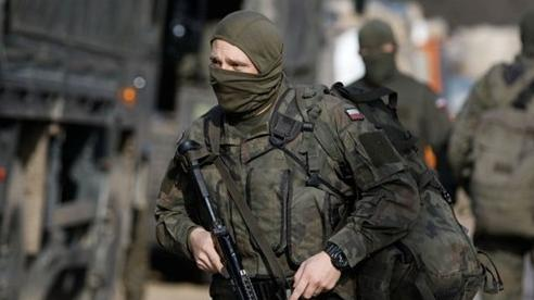 Ba Lan tức tốc triển khai 10.000 binh lính tới biên giới Belarus