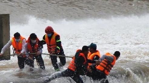Vụ lật tàu trên sông của đoàn Sở GTVT có sự chủ quan, lơ là