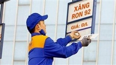 Lên đỉnh cao nhất trong hơn 7 năm, cách 'kìm cương' giá xăng, dầu?