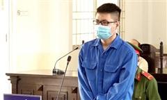Cựu sinh viên đâm 'người hoà giải' lãnh 11 năm tù
