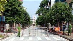 Học sinh tại TP Nam Định dừng đến trường, quán cà phê giải khát dừng hoạt động