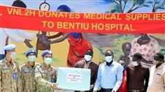 Chiến sĩ mũ nồi xanh bảo vệ sức khỏe người dân Nam Sudan và hỗ trợ cộng đồng khắc phục hậu quả thiên tai
