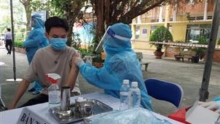 TP HCM: Hơn 1.200 học sinh đầu tiên được tiêm vắc-xin Covid-19
