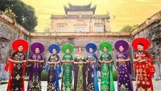 NTK Hoàng Ly ra mắt BST áo dài 'Dấu ấn thời gian'