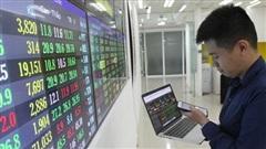 Rung lắc qua nhanh, VN-Index tiếp tục lên đỉnh