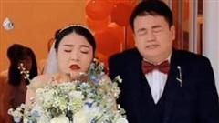 Những bức ảnh cưới khiến cô dâu chú rể không dám nhìn lại