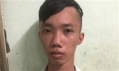 Cảnh sát hình sự ở TPHCM đeo bám, bắt nóng 2 tên cướp giật táo tợn