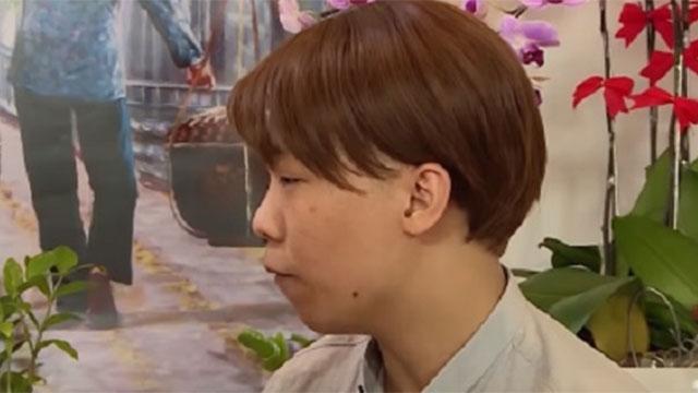 Dành cả thanh xuân yêu đơn phương, chàng trai 'chơi lớn' lột bỏ tóc giả trên sóng truyền hình để tìm bạn gái