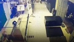 Khoảnh khắc tù nhân vượt ngục như trong phim