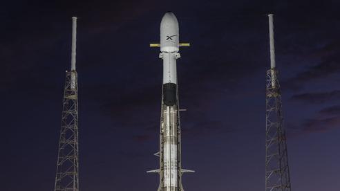 SpaceX: phóng thành công 60 vệ tinh Starlink lên dàn thiết bị đã hơn nghìn chiếc, hạ cánh thất bại khiến tên lửa rơi 'tõm' xuống nước tắt ngóm