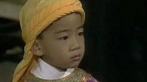 Vị Thái tử 9 tuổi cưới 4 vợ, 15 tuổi đăng cơ thì bị tử hình bằng hơn 1.000 nhát dao