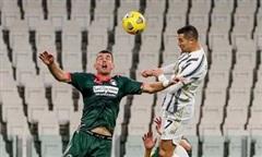 Ronaldo lập cú đúp, Juventus trở lại top 3