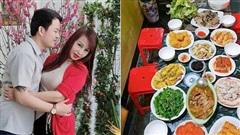 Cô dâu Cao Bằng 64 tuổi liên tục khoe 'trổ tài' nấu ăn cho chồng trẻ, từ mâm cỗ cầu kỳ đến bát bún măng đều bày biện như nhà hàng