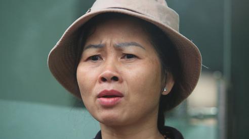 Mẹ 'siêu nhân đời thực' cứu bé gái rơi từ tầng 12 chung cư ở Hà Nội bật khóc xem lại khoảnh khắc con trai làm nên 'điều kỳ diệu'