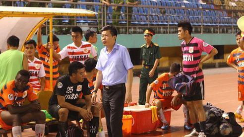 Nhìn đế chế Trung Quốc sụp đổ lại 'toát mồ hôi' khi nhớ thời hỗn loạn của bóng đá Việt Nam