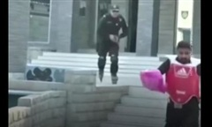 Clip Pakistan cho 'ra mắt' lực lượng cảnh sát trượt patin