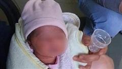 Vụ bé sơ sinh bị bỏ rơi trước tiệm tạp hóa: Mẹ nhờ người bế con rồi bỏ lại