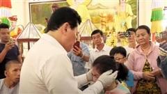 Nổi da gà xem ông Võ Hoàng Yên chữa câm điếc bẩm sinh 15 năm bằng tay không trong loạt clip triệu view: Có phải là 'thần y' như lời đồn?
