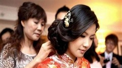 Trong đám cưới, tôi được một người lạ trao cho 3 chỉ vàng, đến khi biết thân phận của bác ấy, tôi sững sờ như 'hóa đá'