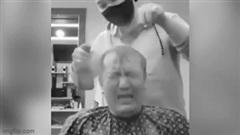 Khách hàng 'phẫn nộ' phát khóc khi gặp phải thợ làm tóc 'siêu lầy lội'