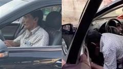 NS Thương Tín tự lái xế hộp hơn 400 triệu được tặng sau khi ra viện, hình ảnh gặp khó khăn khi mới sử dụng gây lo lắng!