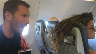 Những hành khách vô duyên nhất quả đất trên máy bay, khiến bạn thà đi bộ cho xong