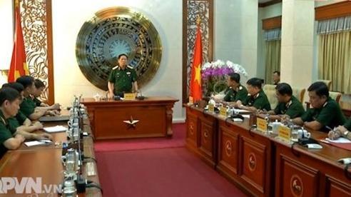 Bộ trưởng Ngô Xuân Lịch thăm và làm việc tại Quân khu 7