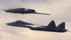 """Okhotnik - máy bay """"thợ săn"""" không người lái của Nga có thực sự đáng sợ?"""