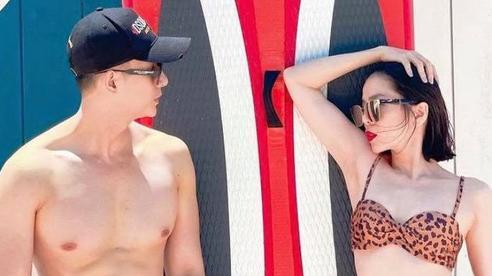 Lệ Quyên diện bikini nóng bỏng bên tình trẻ Lâm Bảo Châu, đẹp đôi đến mức không ai nghĩ chênh lệch 12 tuổi