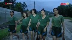 Phì cười với vũ đạo 'kinh điển' của các nữ chiến binh