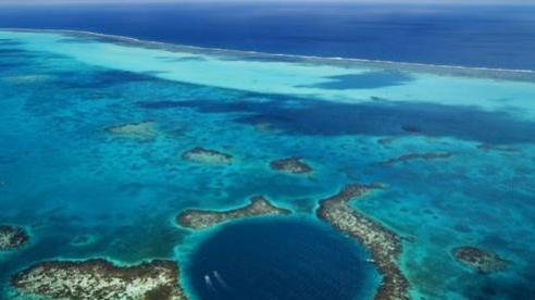 Chiêm ngưỡng 'Hố xanh khổng lồ', một trong những bí ẩn lộng lẫy nhất thế giới