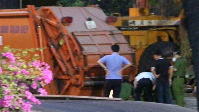 ĐỪNG LỠ ngày 24/3: Kinh hoàng xe rác cán nam công nhân tử vong rồi mang thi thể đi 20km; 'Đốn' gẫy chân Hùng Dũng, Hoàng Thịnh bị treo giò 9 tháng