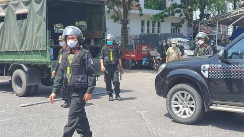 ĐỪNG LỠ ngày 25/3: Công an Đồng Nai trang bị vũ khí, khám xét khẩn cấp nhiều địa điểm ở TPHCM, Bình Phước; Cháy nhà, cả gia đình tử vong