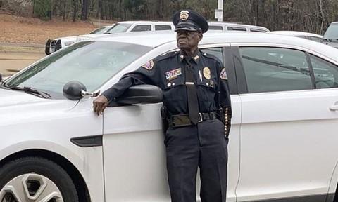 Một cảnh sát Mỹ quyết định không nghỉ hưu dù đã... 91 tuổi