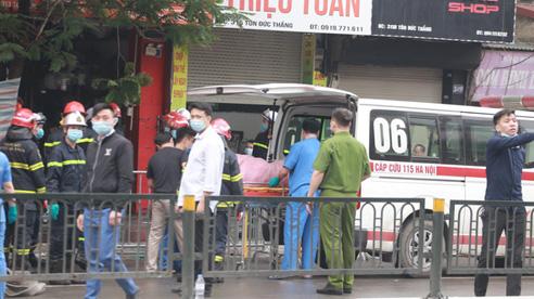 Cháy cửa hàng ở Hà Nội: 4 người chết, tiếp tục tìm người mắc kẹt