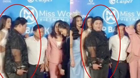 Lộ clip nghi vấn Đỗ Mỹ Linh bị 'chèn ép' thấy thương trên thảm đỏ Miss World Việt Nam, netizen bức xúc đồng loạt
