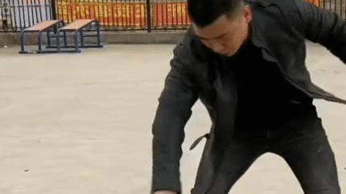 Thi triển 'bàn tay sắt', thiết đầu công, cao thủ bí ẩn thách đấu Chưởng môn Võ Đang