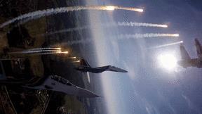 Mãn nhãn màn nhào lộn, phóng tên lửa của siêu tiềm kích Su-30SM và Su-35S