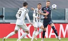 Ronaldo đưa Juventus vào top 3 Serie A