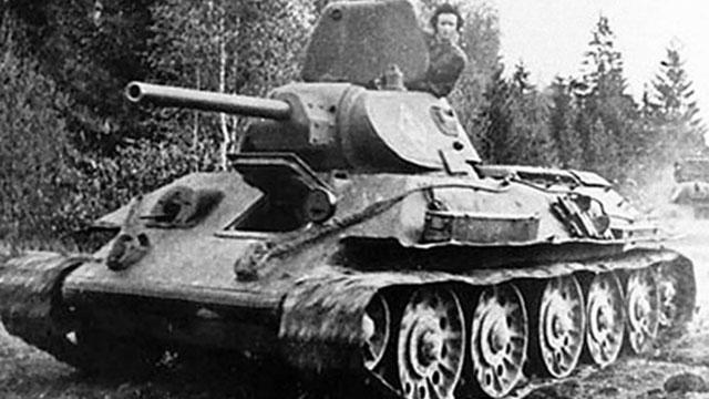 Bà góa Liên Xô lái xe tăng ra trận đối đầu quân Đức, trả thù cho chồng
