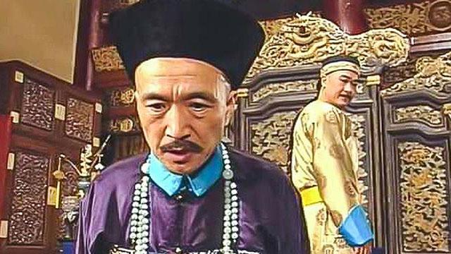 Bị Càn Long ép nhảy sông, 'Tể tướng Lưu gù' làm gì để thoát hiểm?