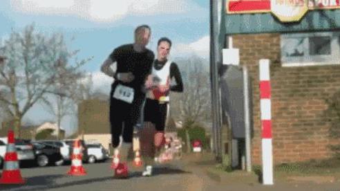 8 khoảnh khắc hi hữu về những tai nạn 'thốn tận rốn' trong làng thể thao: Nhìn thôi cũng đã thấy đau thấu trời xanh