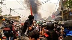 Tình hình Myanmar: Giao tranh ác liệt gần biên giới với Ấn Độ, hàng chục người tử vong