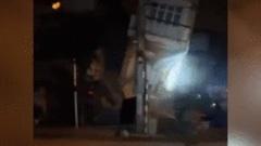Khoảnh khắc ngôi nhà 3 tầng đổ sập trong đêm ở Lào Cai, cụ bà thoát nạn