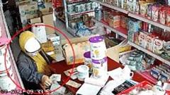 Nhóm người dàn cảnh trộm tiền cửa hàng tạp hóa giữa ban ngày