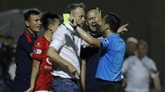 CLB TP.HCM nhận một loạt án phạt sau vụ 'quây' trọng tài, Thanh Thắng bị treo giò 3 trận