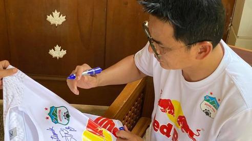 HAGL và HLV Kiatisuk hành động ý nghĩa cho quỹ chống Covid-19 của Thái Lan