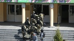 Xả súng hàng loạt ở trường học Nga, nhiều học sinh thiệt mạng