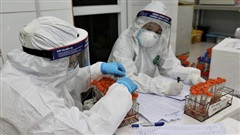 NÓNG: Hà Nội ghi nhận thêm 5 ca dương tính với SARS-CoV-2, có 2 ca xét nghiệm lần 3 mới ra kết quả