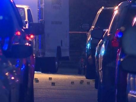 [Video] Mỹ: Đấu súng giữa hai băng nhóm tội phạm, 9 người bị thương